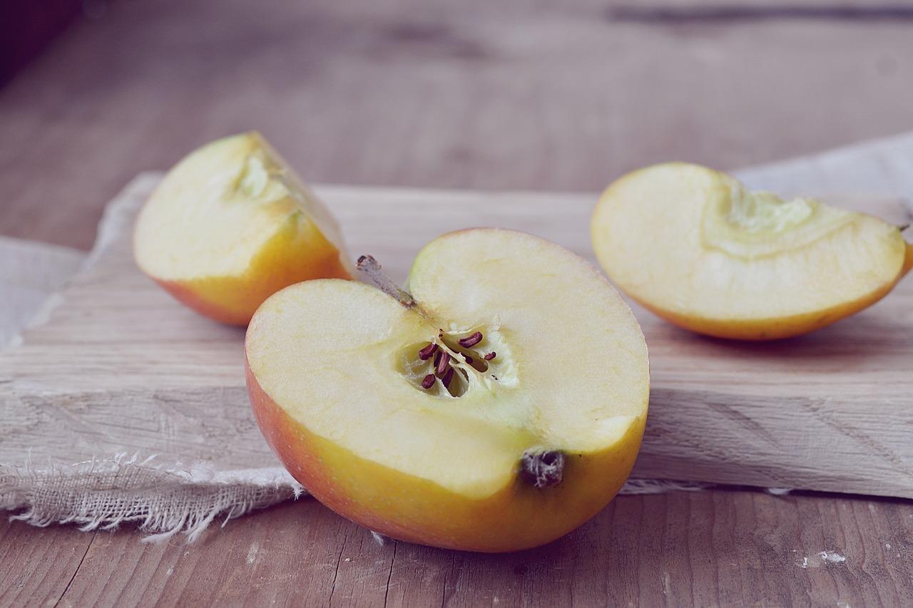 apple-1248483_1280