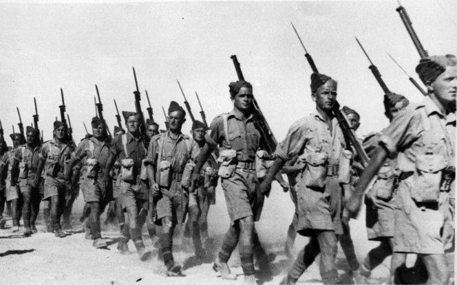20th_Battalion_infantry_marching_in_Baggush,_Egypt,_September_1941