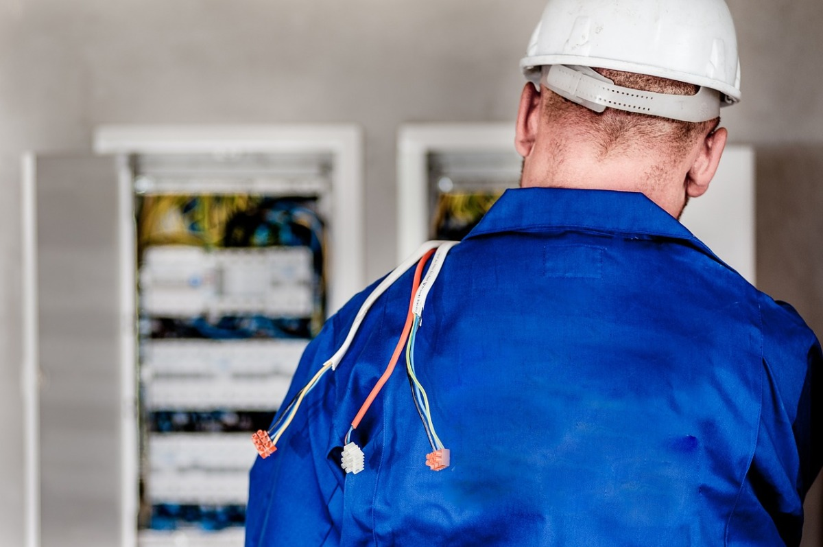 Energy giants 'bully their customers into getting smart meters': Firms accused of flouting trading laws by telling families devices are a legal requirement