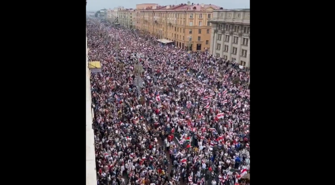 Many thousands of Belarus citizens protesting over the elections & alleged fraud – brutal crackdown