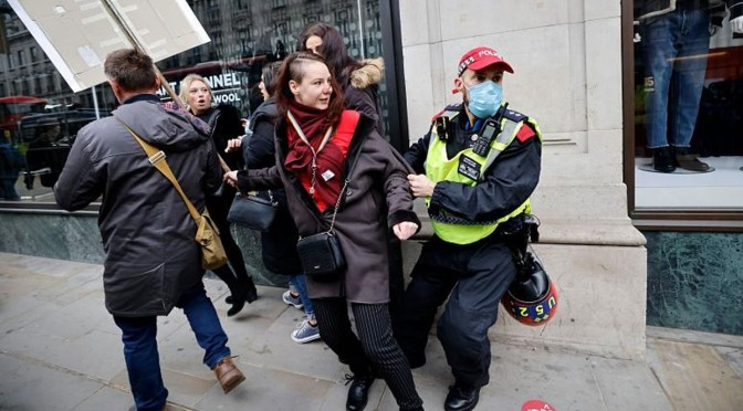 LONDON OUTRAGE! Massive Police Brutality Recorded with Attacks Against Peaceful Protesters Over COVID Restrictions