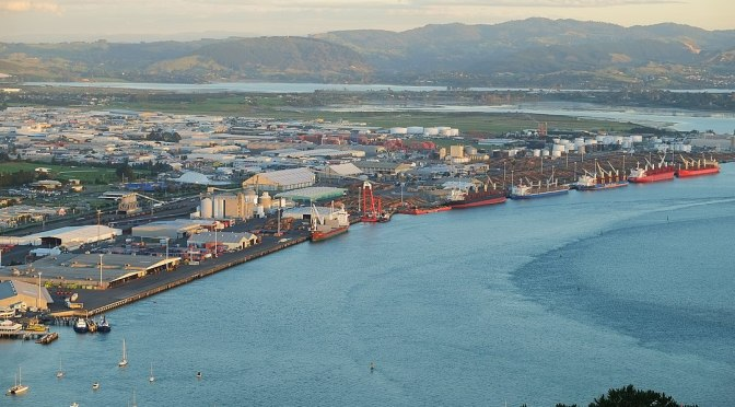 A NZ District Health Board initiates a one-off free meal scheme for port workers who take the covid-19 injection
